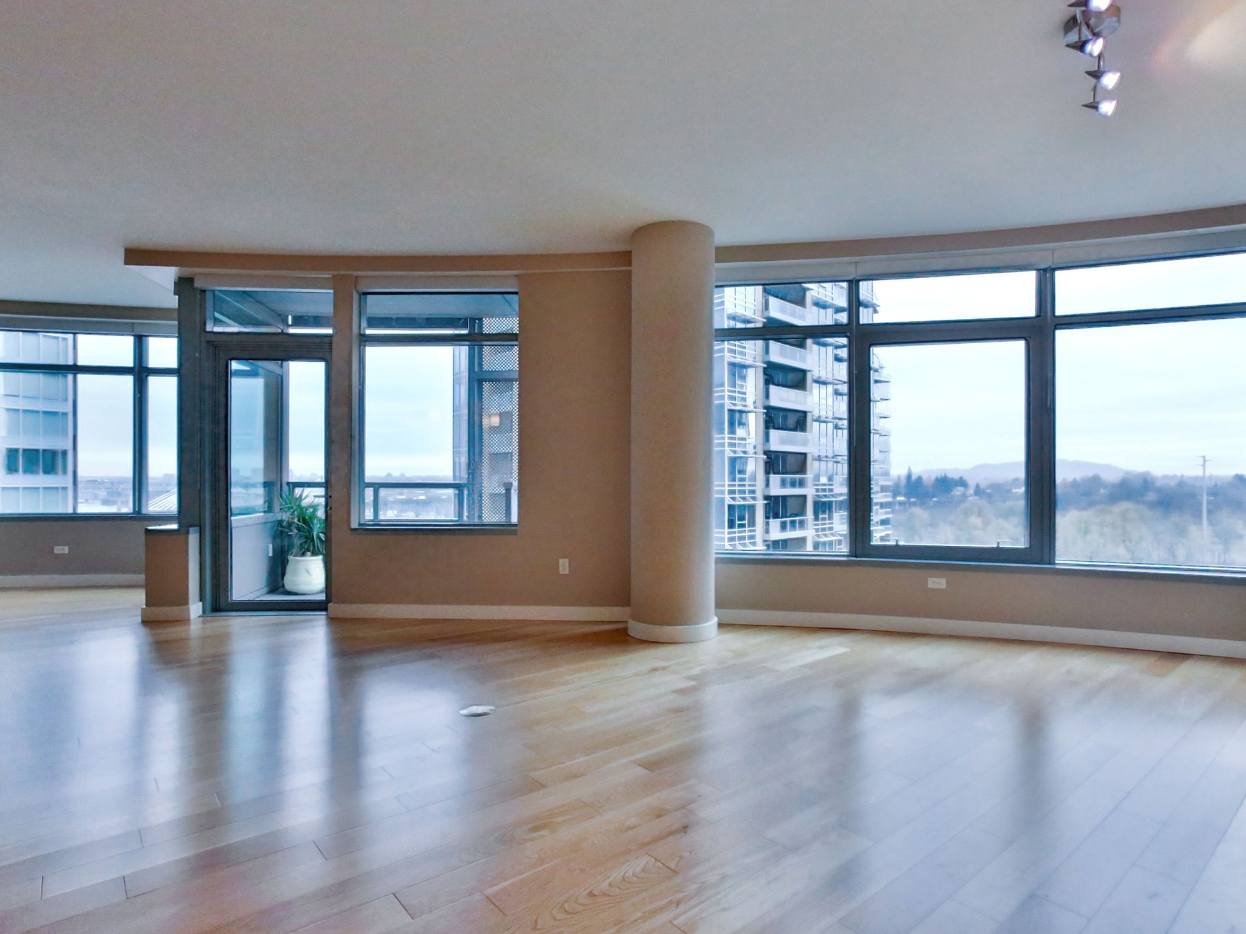 SOUTH WATERFRONT - JOHN ROSS 3601-SW-River-Parkway-1408