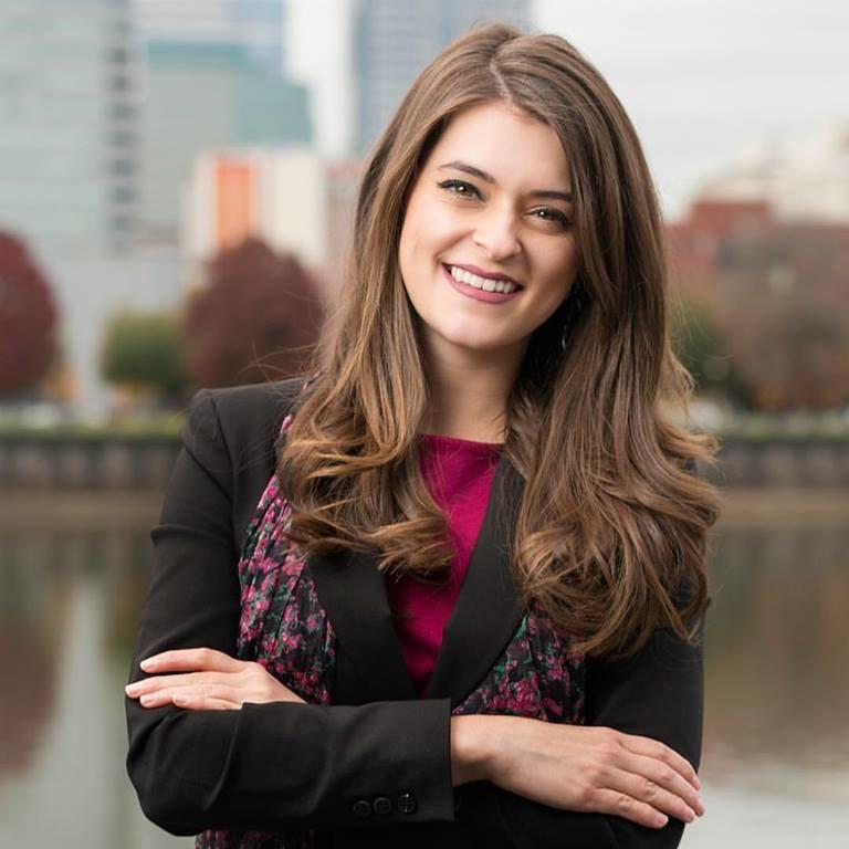 Nicole Curra